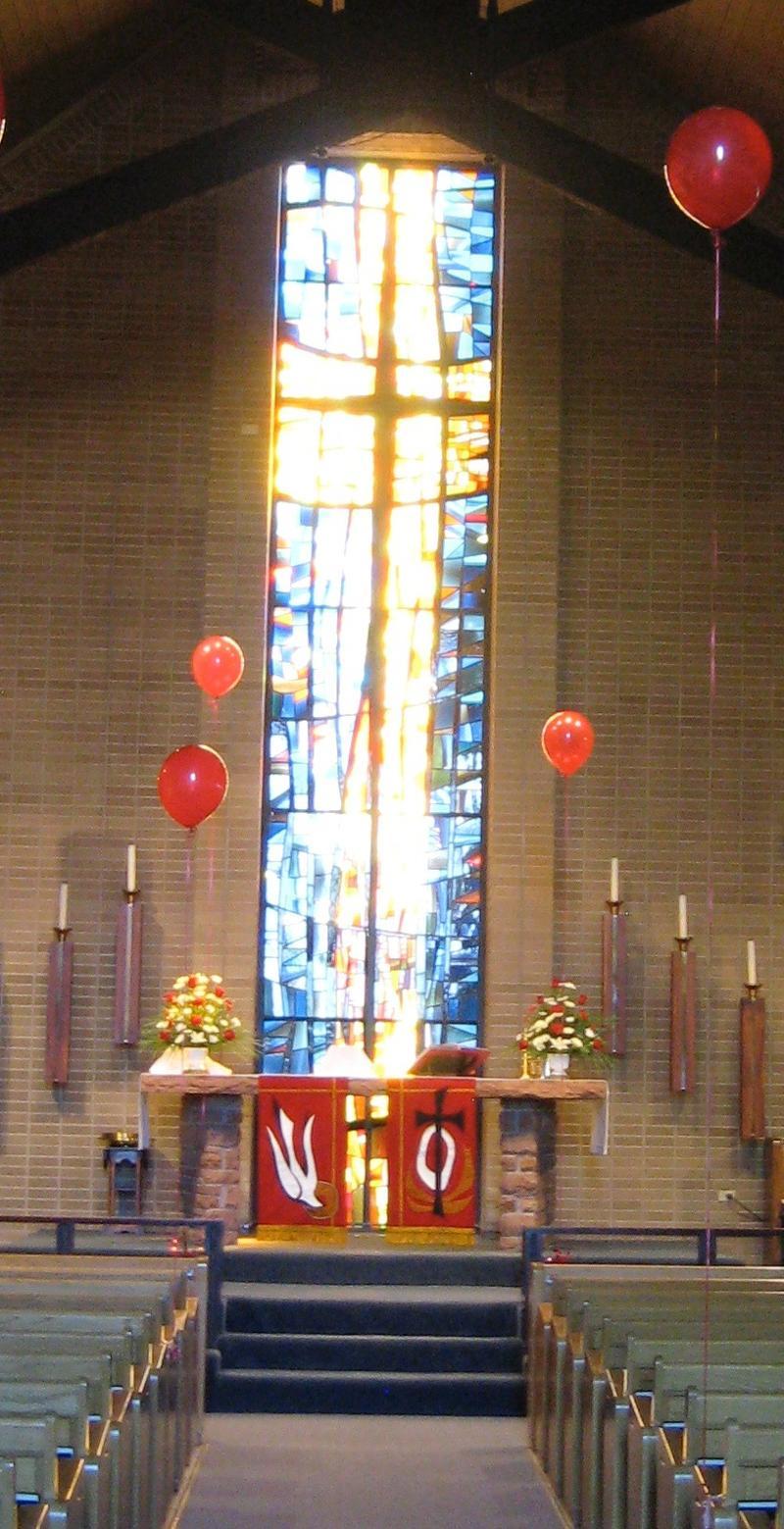St. Makr's Aurora stained glass window