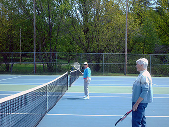 Gold LEAFers playing tennis spring 2012