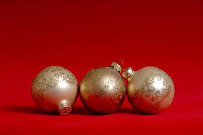 gold-ornaments.jpg