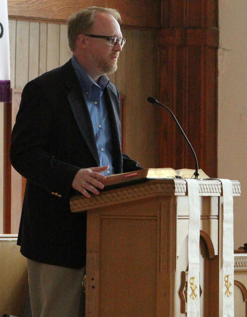 Del Holley pulpit 8-8-12