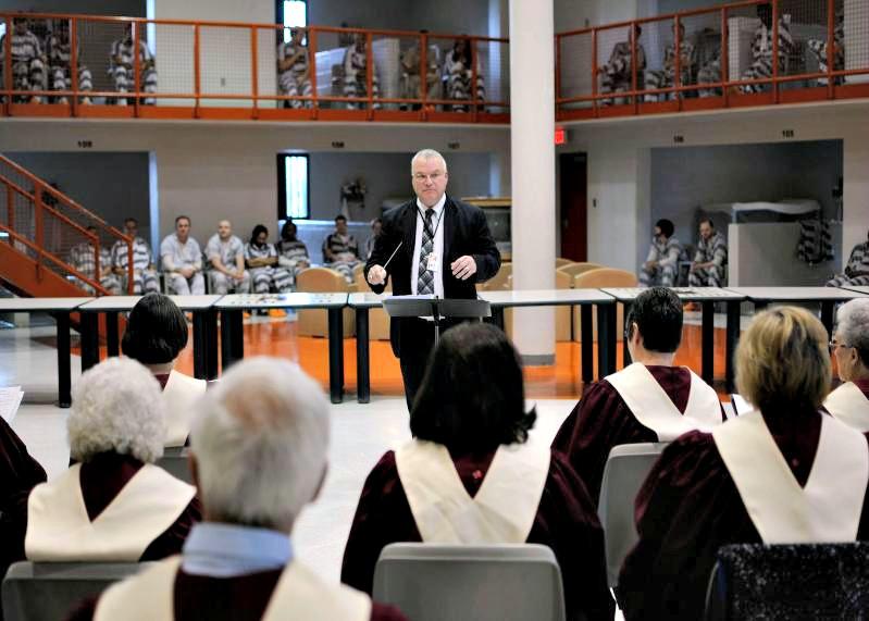 Choir sings in jail 4-3-13
