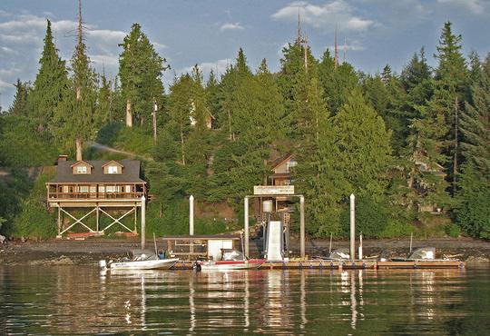 Chinook Shores Lodge