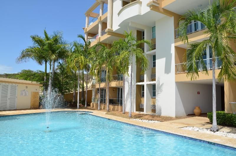 News from luxury villa rentals volume 004 for Villas koralina combate cabo rojo