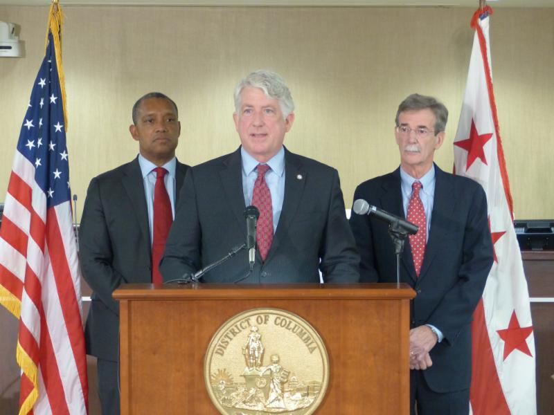 AG Herring speaking at meeting to work toward reduction of gun violence.
