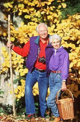 elder-hiking-couple.jpg