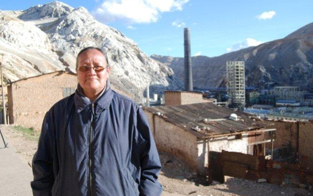 Activist Rosa Amaro in lead-poisoned La Oroya