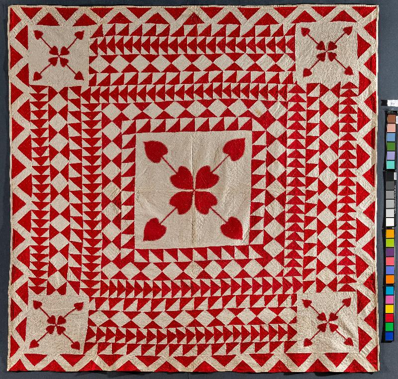 Red & White valentine quilt