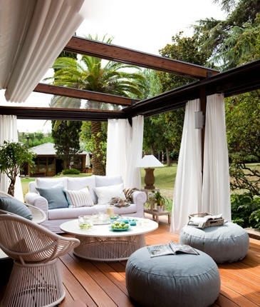 outdoor living room, outdoor seating