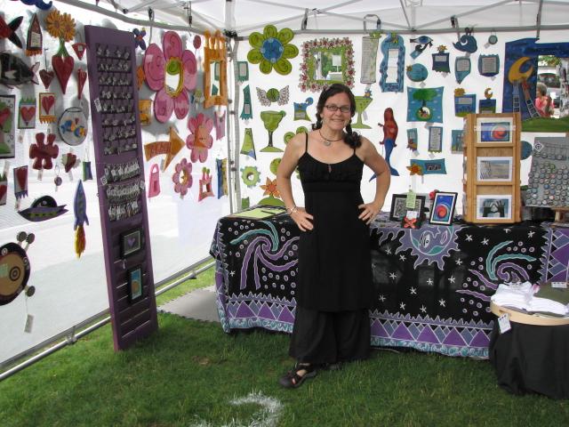 Megan\'s sister at the Mystic Outdoor Art Festival