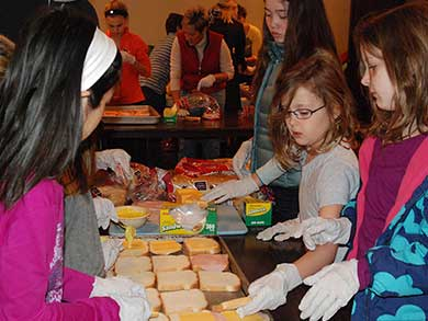 Sandwich making kids 2012