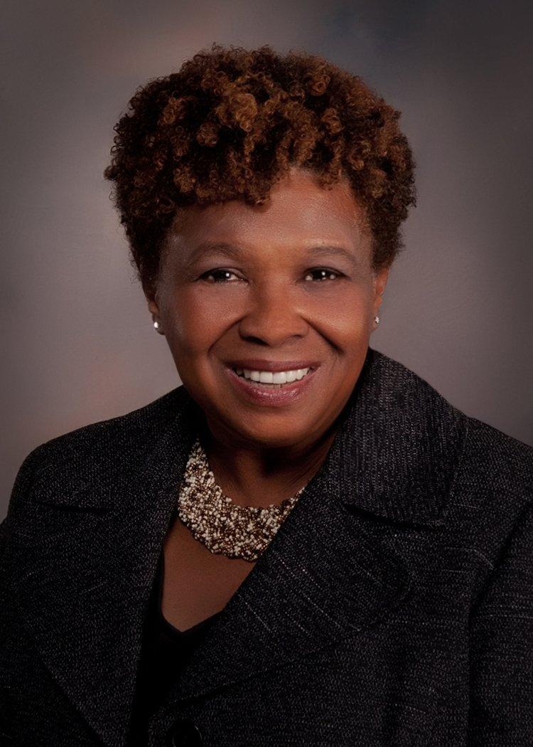Dr. Barbara Holmes