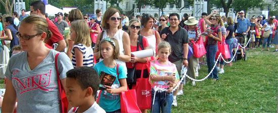 Fans waiting to get Kathleen to sign their Caroline books at National Book Festival.