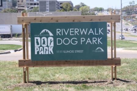 Riverwalk Dog Park sign