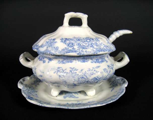 small antique English soup tureen in the Asiatic Pheasants pattern