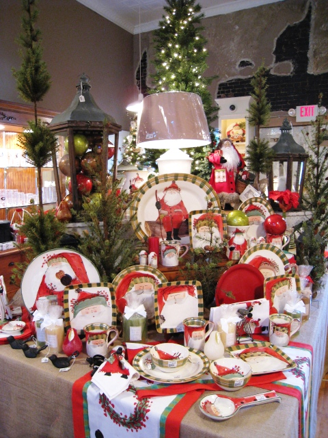 Vietri Old St. Nick at Belles Beaux & Gifts
