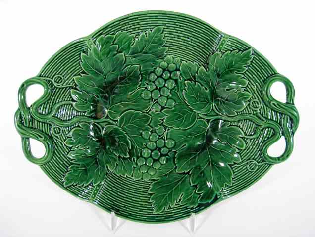 antique English Davenport majolica dish circa 1820