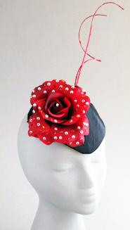 Aiko rose googly eyes hat