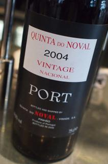 Noval Nacional 2004 Bottle