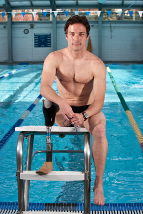 Injured military receive aquatic therapy