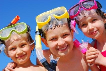 kids in diving masks