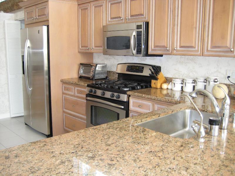 117 Coral Kitchen