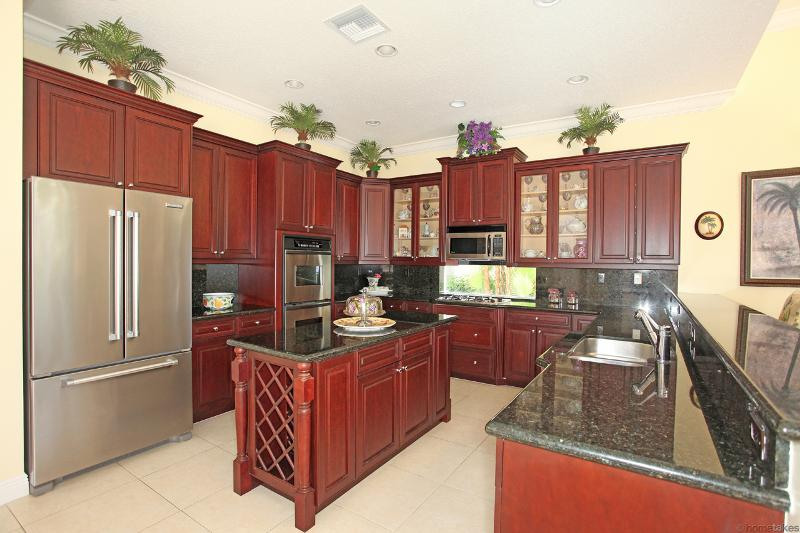 107 Chasewood kitchen