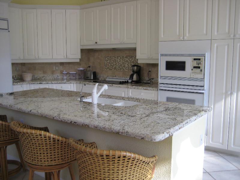 124 Windward - kitchen
