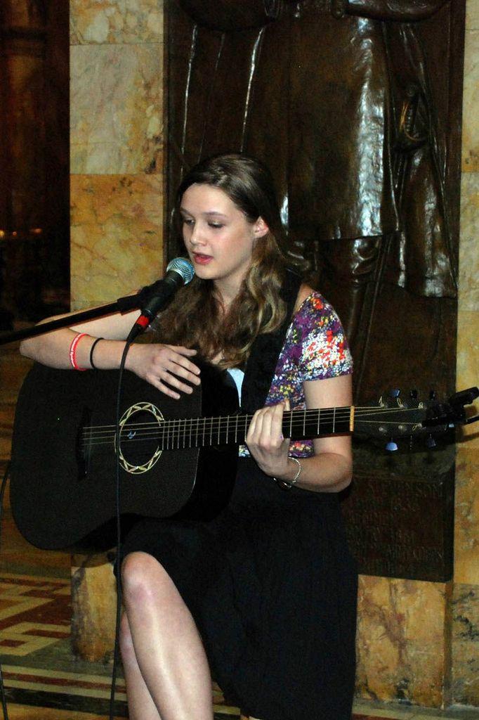 Gracie Van Brunt playing at RRD 2013