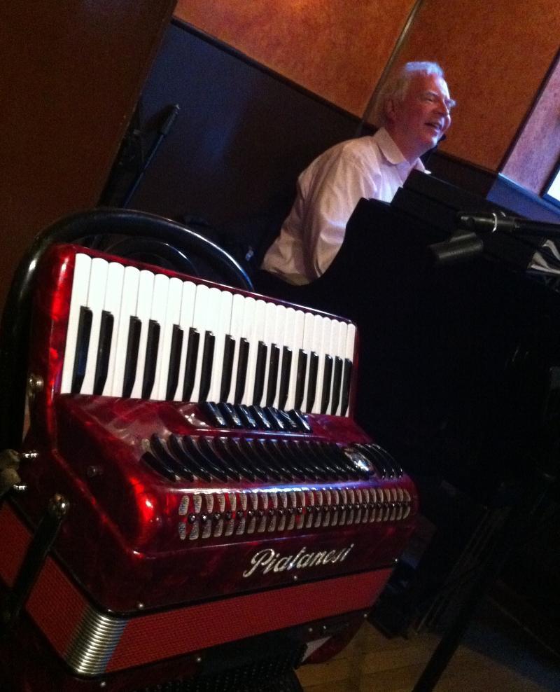 RD @ Vivaldi with accordion