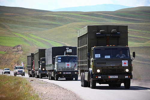 An ICRC convoy heads to Bazarqurgan, Kyrgyzstan.