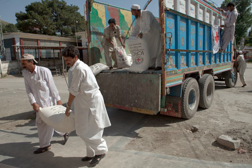 Mingora, Swat. Food being delivered to Saidu Teaching Hospital by the ICRC