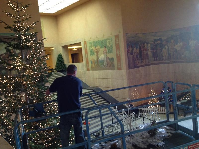 Decorating the Capitol Rotunda
