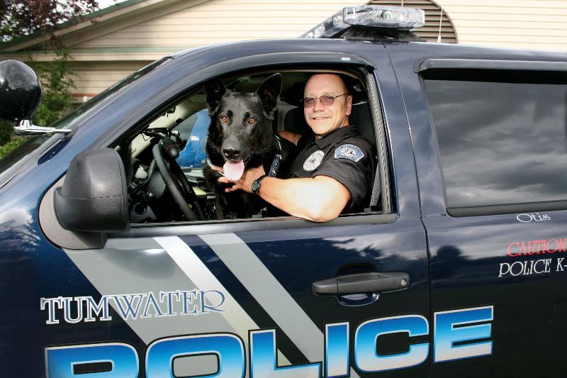 Officer Mize w/Otis