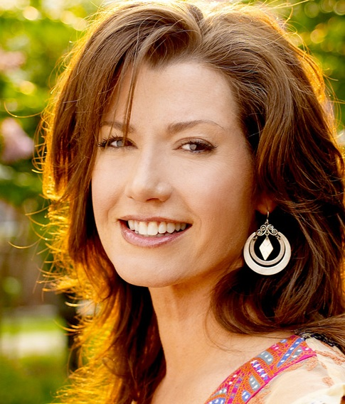 Award winner Amy Grant will perform with the McLean Bible Church Orchestra for this special event.