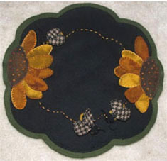 Wool  Rug 2014 Wool New wool applique Fall Applique table runner Punchneedle patterns Patterns: Penny  &