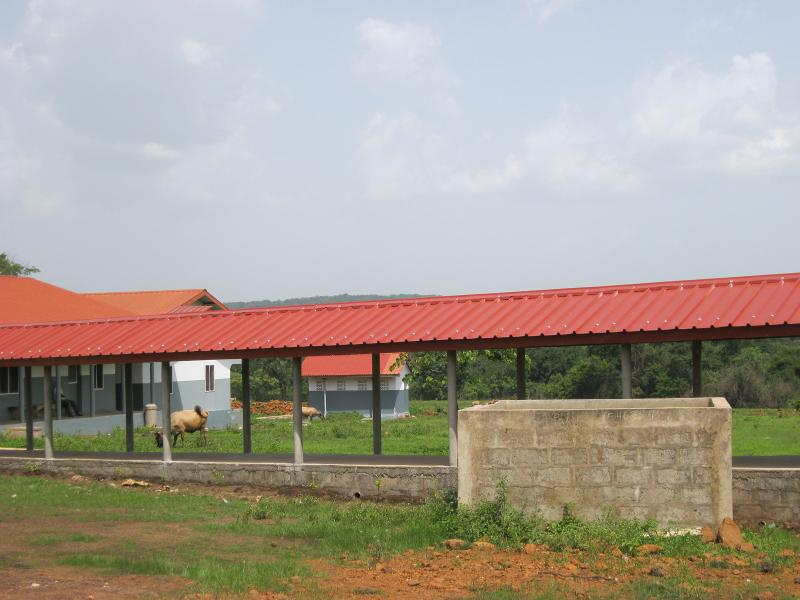 Covered walkway between the Clinic and Wards