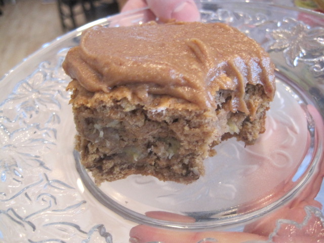 banana cake with date frosting