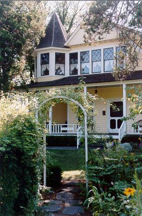 Gilbert House (Summer)