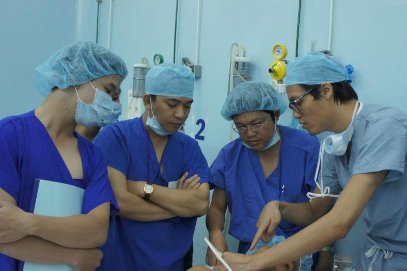 A demonstration presented to Anesthesia students at HVO's project site in Vietnam.