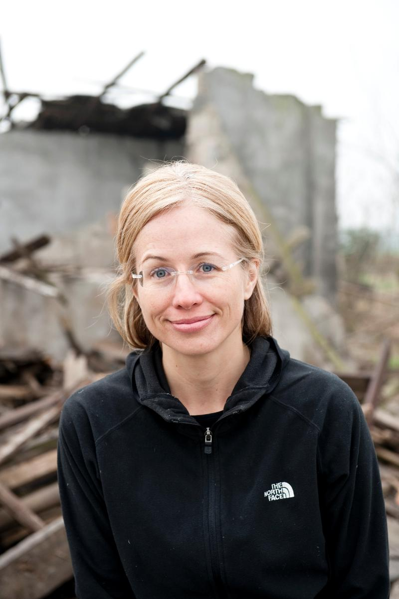Elizabeth Hausler Headshot
