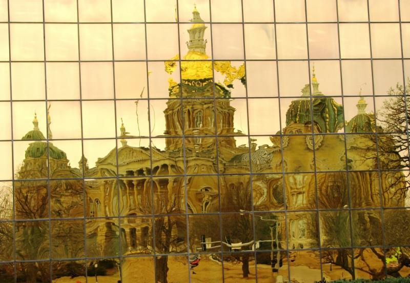 Iowa Capitol Bldg Reflect Wallace G.Stark