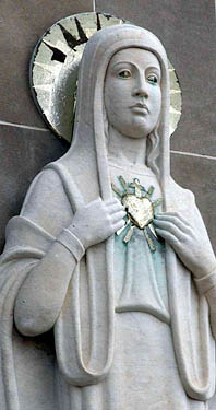 Statue Mother Mary sacred heart