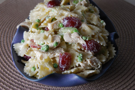 Bowtie Pasta with Chicken, Grapes and Peas
