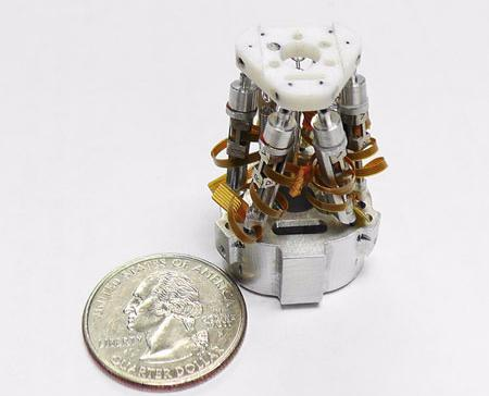 PHOTO mini hexapod
