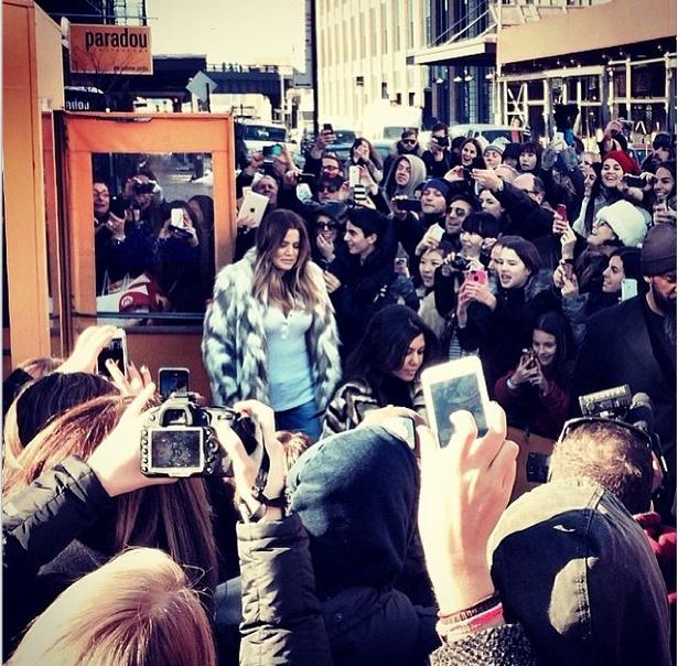 Khloe Kardashian leaves Serafina