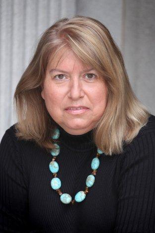 Headshot - Linda Killian