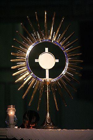 Eucharistic Adoraton