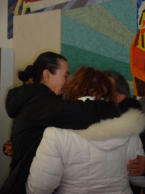 vicka hugs pilgrims