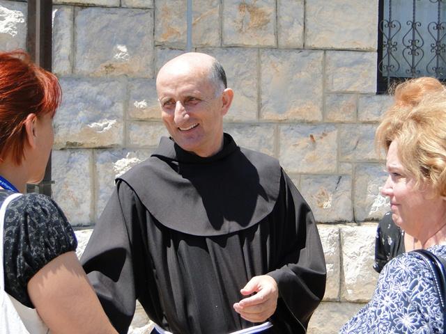 Fr. Svet greats pilgrims
