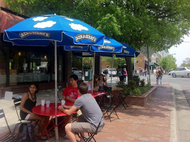 Sidewalk Dining- Ben & Jerry's